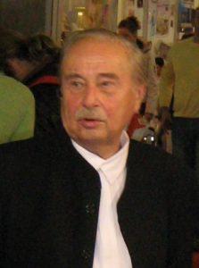 Milorad Pavić (sârbă: Милорад Павић) (n. 15 octombrie, 1929 în Belgrad - d. 30 noiembrie, 2009) a fost un important poet, prozator, traducător și istoric literar sârb.